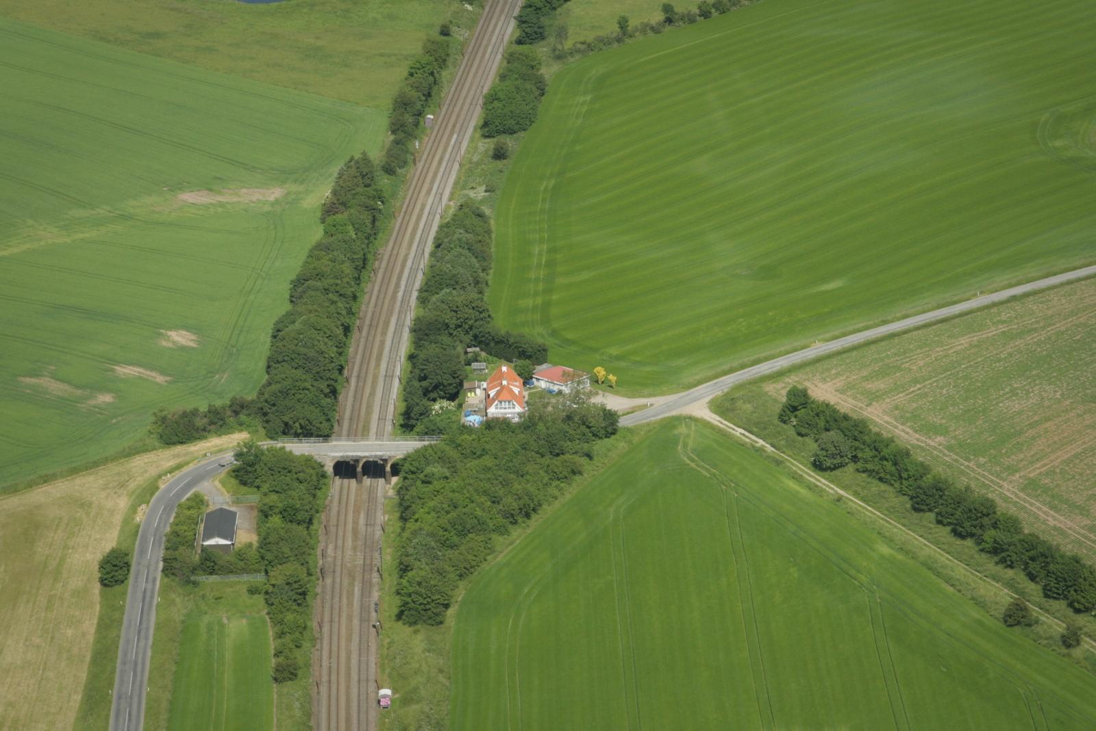 Englænderbroen og Strandvejen med dens snoninger i landskabet